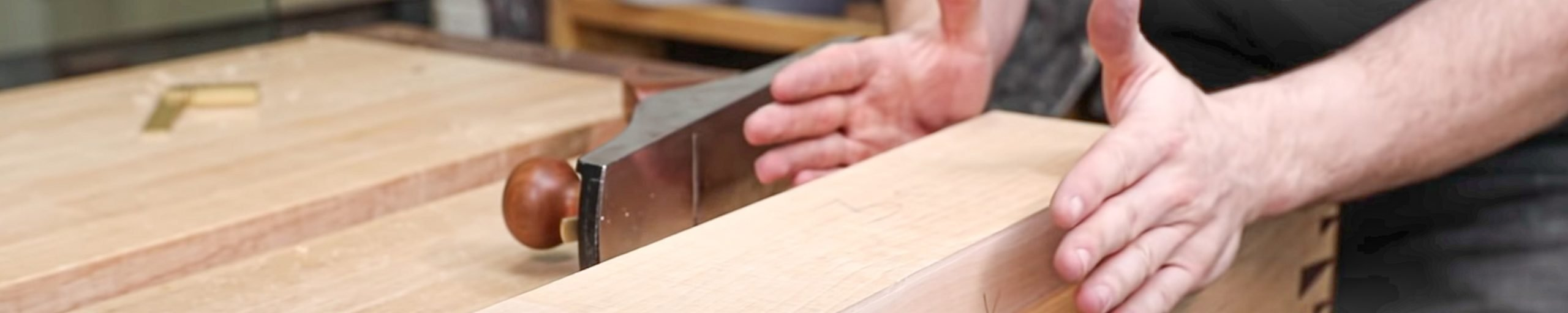 Thicknessing wood by Hand
